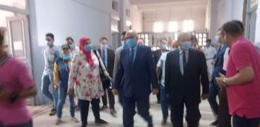 مدير أمن المنوفية يتفقد لجان الانتخابات