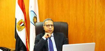 الدكتور بدوي شحات- رئيس جامعة الأقصر
