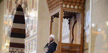 الأزهري على منبر مسجد الفتاح العليم بالعاصمة الإدارية