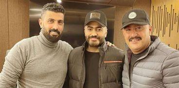 تامر حسني مع المخرج محمد سامي وأحمد السقا