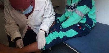فحص وعلاج 1314 مواطنا خلال قافلة طبية بقرية السعادنة في بني سويف