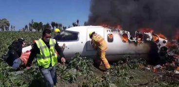 مقتل 7 أشخاص جراء تحطم طائرة عسكرية شرق المكسيك «فيديو وصور»
