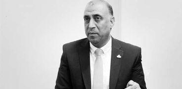 الدكتور أيمن الرقب القيادى بحركة فتح أستاذ العلوم السياسية