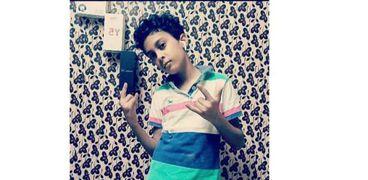 محمد 12 عام ابتكر تطبيق إلكترونى لمواجهة الشائعات.