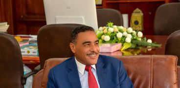 اللواء خالد شعيب محافظ مطروح