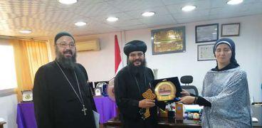 اسقف البحر الأحمر يكرم رئيس مدينة سفاجا