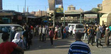 بعد انتهاء أجازة العيد.. تكدس المسافرين في موقف مصر بالفيوم