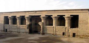 معبد إسنا