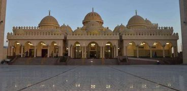 مسجد الميناء الكبير بالغردقة