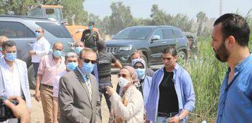 وزيرة البيئة ومحافظ كفر الشيخ  يتفقدان مراكز تجميع قش الأرز