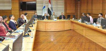 رئيس جامعة كفر الشيخ يلتقى رؤساء اتحادات الطلاب