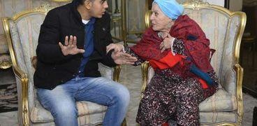 """عايدة عبدالعزيز مع محرر """"الوطن"""""""