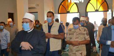 وزير الأوقاف يصلي ركعتين بافتتاح مسجد الشهيد المنسي في الإسكندرية