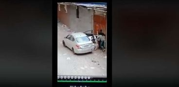 سرقة خروف في سيارة ملاكي
