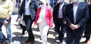 زايد تتفقد مستشفى الكرنك الدولي: سيصبح وجهة لوافدي السياحة العلاجية (صور)