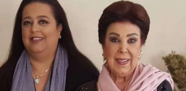الفنانة رجاء الجداوي وابنتها