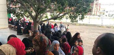 طوابير الناخبات أمام لجان الاقتراع بانتخابات الرئاسة