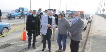 محافظ بني سويف: انتهاء إصلاح الفاصل الحديدي بكوبري النيل