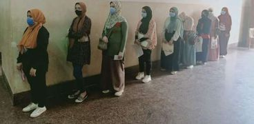 بدء توقيع الكشف الطبي على الطلاب الجدد في 7 كليات بجامعة بني سويف