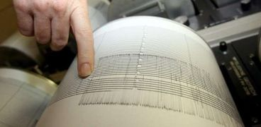 كوارث حول العالم:زلزالان في إندونيسيا واليونان.. وانفجار مصنع في الصين