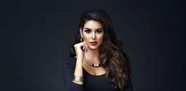 الفنانة ياسمين صبري