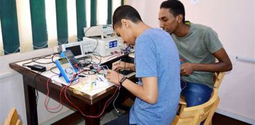 تدريب طلاب في وكالة الفضاء المصرية