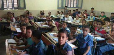 استمرار فحص طلبات التحويل بين المدارس الحكومية