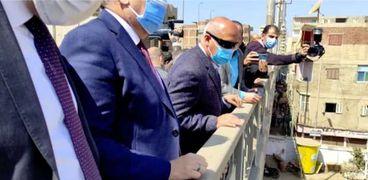 وزير النقل يتفقد كوبري الباجور