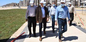 وزير الإسكان يتفقد انتهاء المرحلة الأولى بكورنيش المنصورة الجديدة