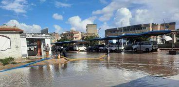 شفط مياه الأمطار من شوارع كفر الشيخ
