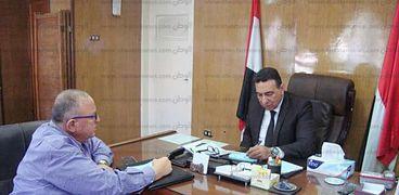 السكرتير العام المساعد يناقش أخر تطورات المشروعات بكفر الشيخ