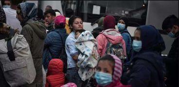 اللاجئون