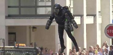 """بدلة """"Iron Man"""" خيال علمي صار حقيقة ومطروحة للبيع بـ 443 ألف دولار"""