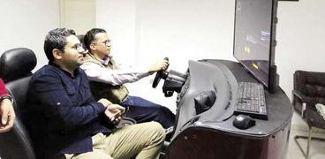 """تدريب على القيادة باستخدام جهاز """"سميوليتور"""""""