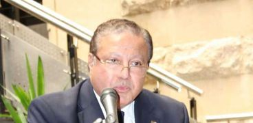 الدكتور هشام عزمي أمين المجلس الأعلى للثقافة