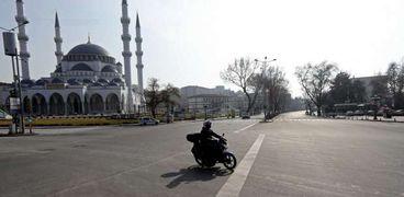 تركيا منعت التجمعات في العيد للحد من انتشار كورونا