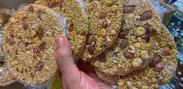 محل يقدم حلوى المولد دايت