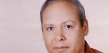 الدكتور محمود نسيم