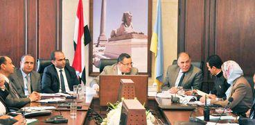 محافظ الاسكندرية: الانتهاء من أعمال ترميم الحفر بالشوارع خلال شهر