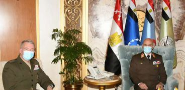 رئيس الأركان مع قائد القيادة المركزية الأمريكية