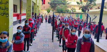 التلاميذ يستعدون للعام الدراسي الجديد بإجراءات صارمة ضد كورونا