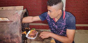 الطالب بائع البطاطا