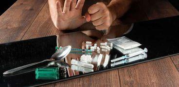 تعاطي المخدرات - تعبيرية