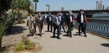 محافظ الجيزة يتفقد أعمال التطوير بشوارع البحر الأعظم والنيل
