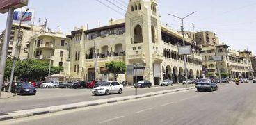 السكون يخيم على شوارع مصر الجديدة