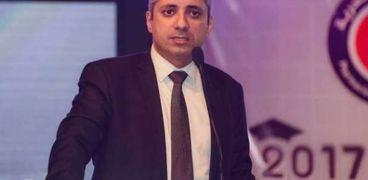 الدكتور محمد أنسي الشافعي