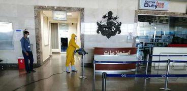 الطيران المدني تعلن : إلتزام عامليها باشتراطات مجلس الوزراء بارتداء الكمامة والتباعد الإجتماعي