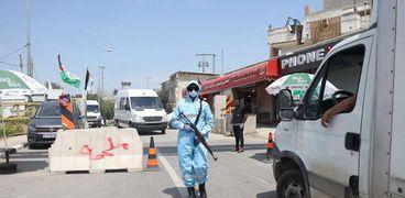 إغلاق شامل وحظر تجوال في محافظات فلسطينية للحد من انتشار كورونا