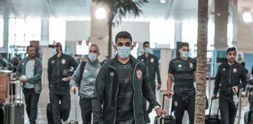 بعثة الأهلي تغادر مطار القاهرة إلى السودان لمواجهة المريخ بدوري الابطال