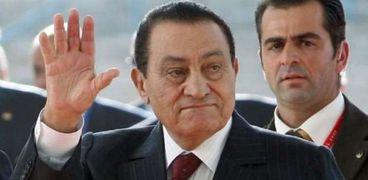 """""""الوطن"""" تعيد نشر حوار فجر السعيد وفاروق حسني عن مبارك"""